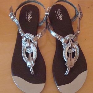 NWOT Mossimo Silver Braided Sandals